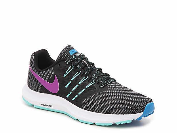 Nike Roshe Run   DSW