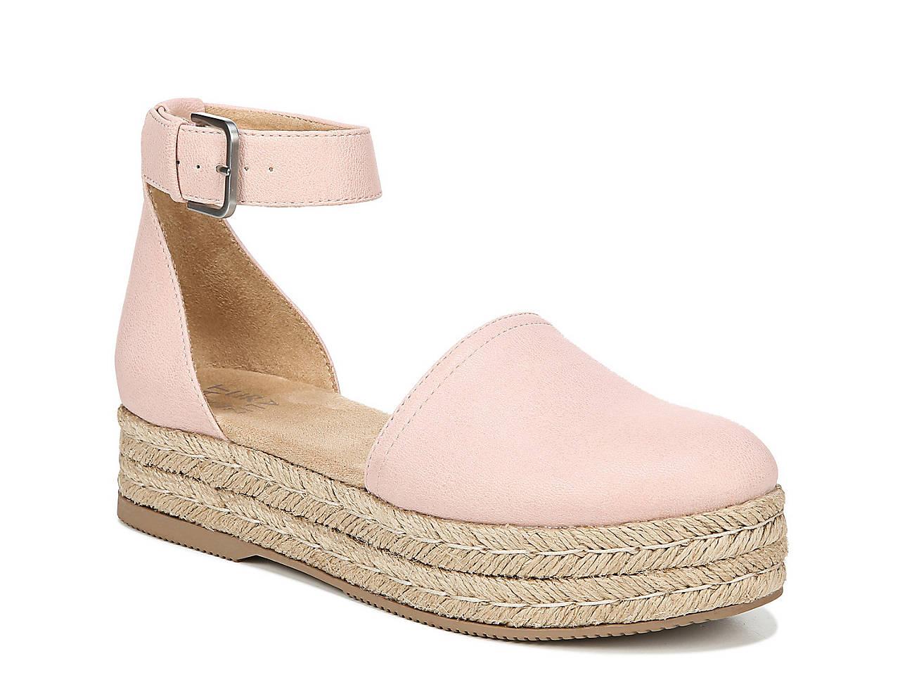 aa71333fbead Naturalizer Waverly Platform Sandal Women s Shoes