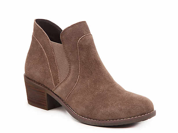 Me Too Shoes, Flats, Boots & Sandals | DSW