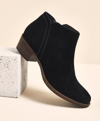 Shoes, Boots, Sandals, Handbags, Free Shipping! | DSW