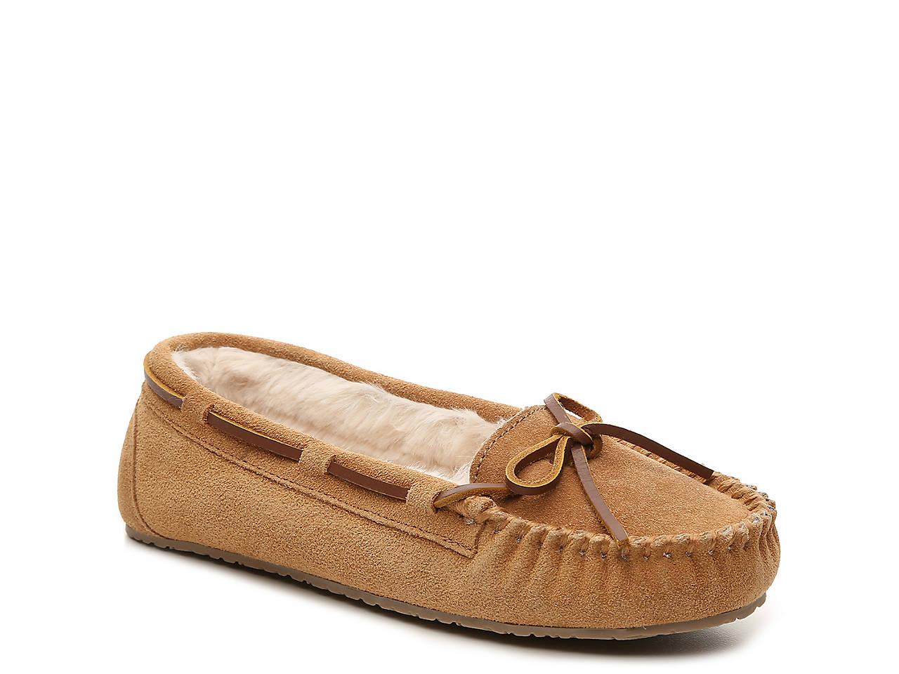 21ea141d69d2 Minnetonka Jr. Trapper Moccasin Slipper Women s Shoes