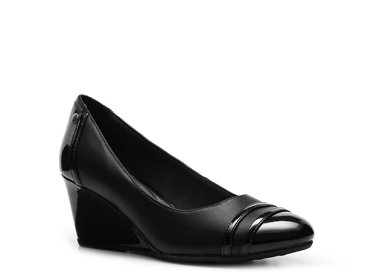 2fecdf59458a5 LifeStride Julianna Wedge Pump Women s Shoes